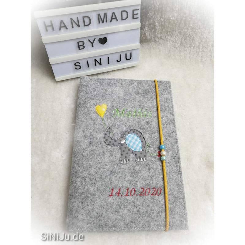 U-Heft-Hülle aus Wollfilz  | Schutzhülle mit Namen | Geschenk zur Geburt , Babyparty oder einfach so personalisiert Bild 1