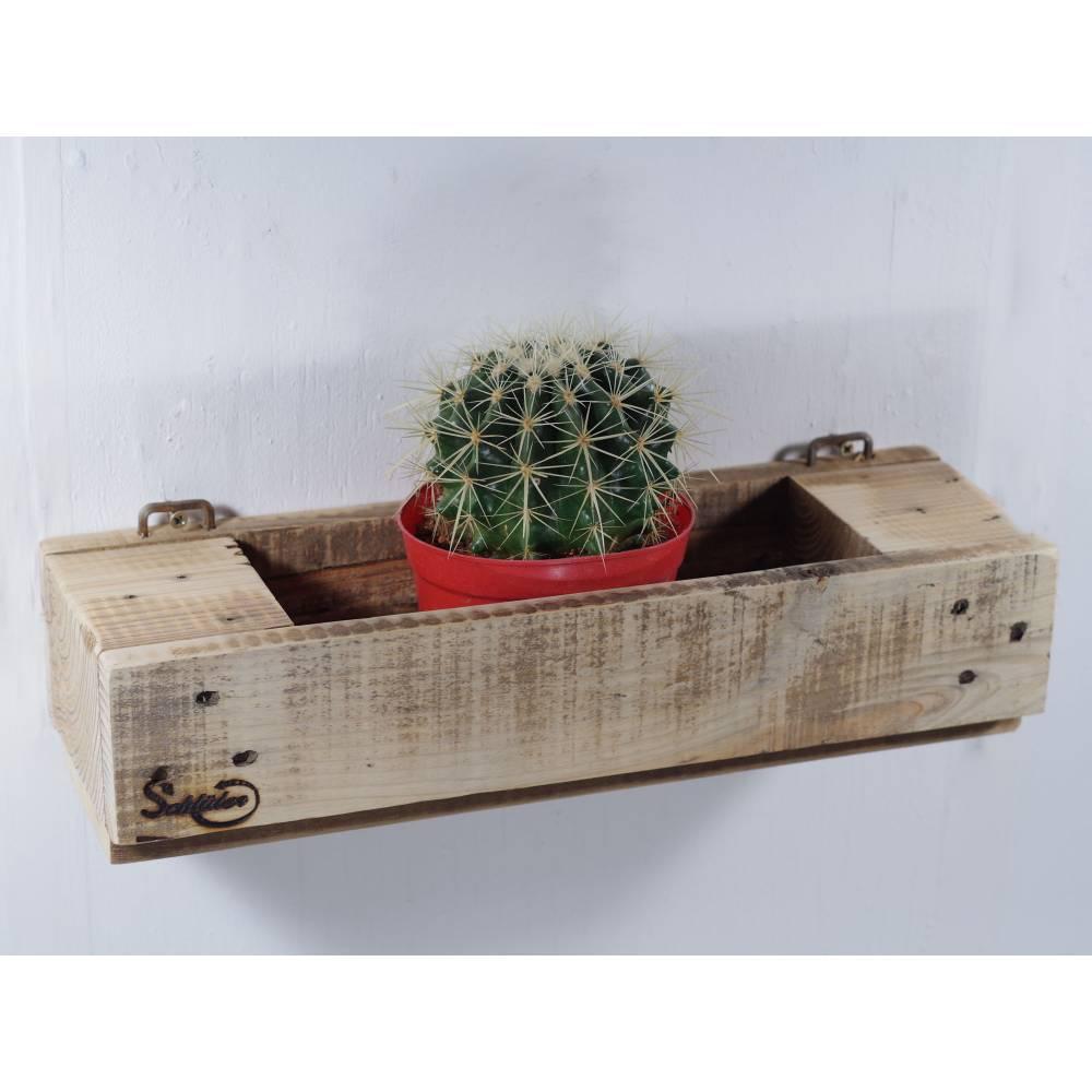 Regal aus Palettenholz als Blumenregal, Holzregal, Wohndeko,  oder für Badutensilien, Palettenholzregal, Küchenregal für Bild 1