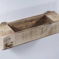 Regal aus Palettenholz als Blumenregal, Holzregal, Wohndeko,  oder für Badutensilien, Palettenholzregal, Küchenregal für Bild 8