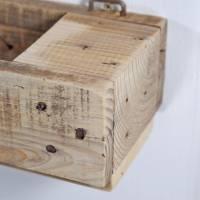 Regal aus Palettenholz als Blumenregal, Holzregal, Wohndeko,  oder für Badutensilien, Palettenholzregal, Küchenregal für Bild 9