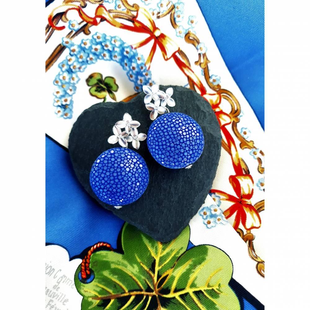 """Rochenleder-Ohrringe """"Blütenkosmos"""" Bild 1"""
