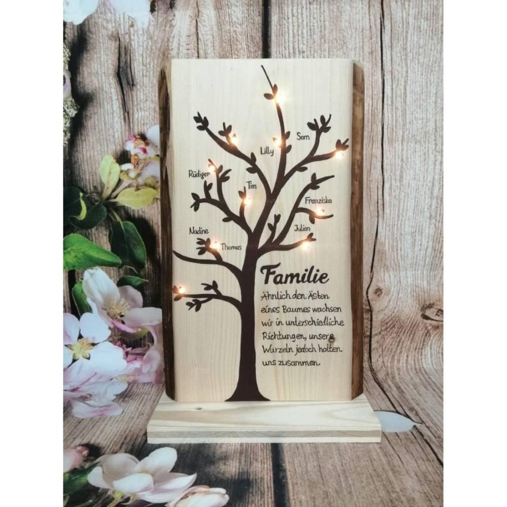 Holz Familie Baum Familienbaum Stammbaum Geschenk Spruch beleuchtet mit bis zu 10 Namen personalisiert Bild 1