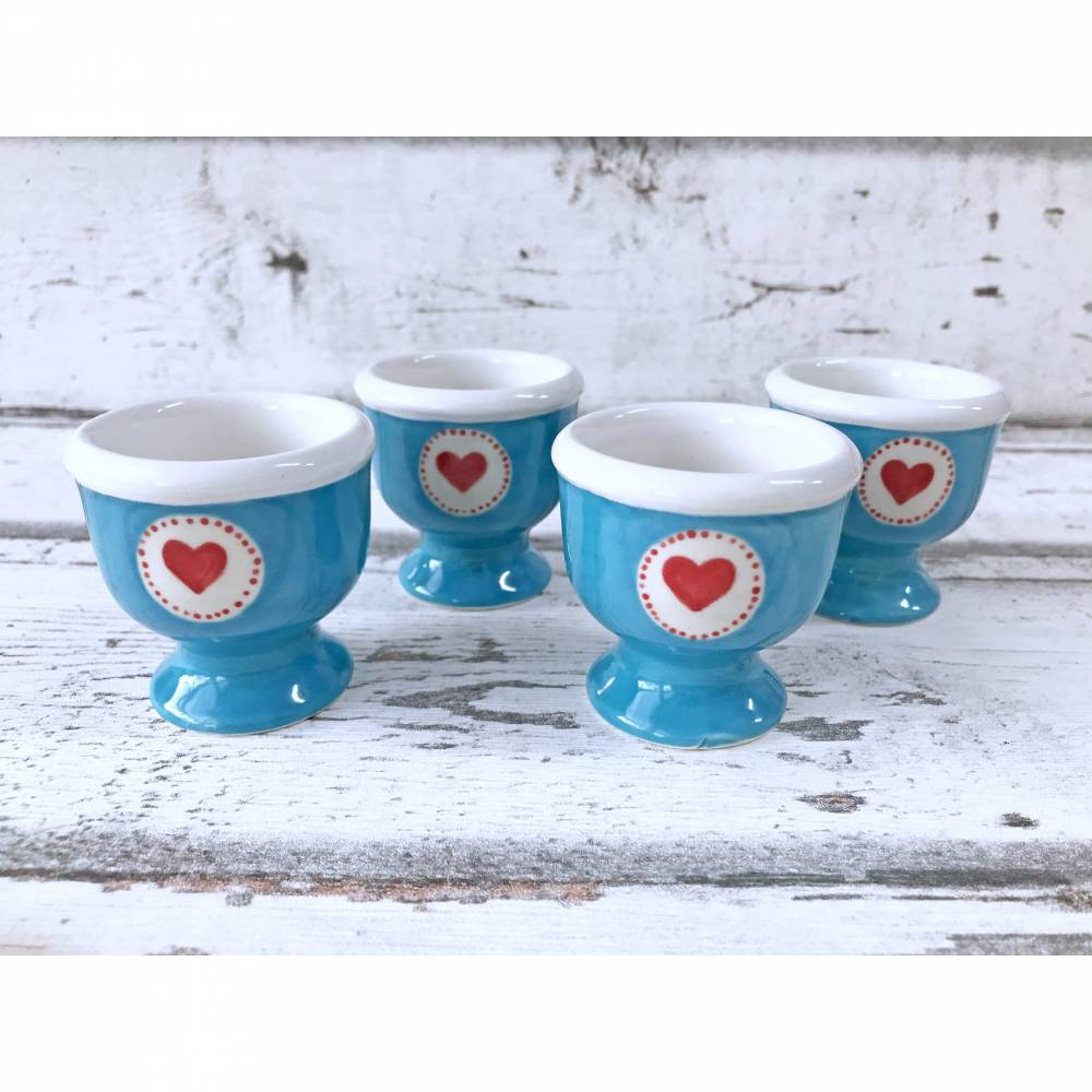 4 Eierbecher mit Herzen , Keramik handbemalt Bild 1