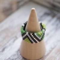 Perlenring Grün-Schwarz-Weiß  Bild 4
