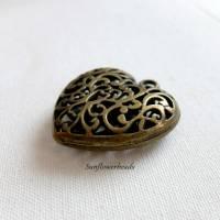 großer Herzanhänger aus Metall, bronze mit Verzierung, 3D, hohl Bild 2