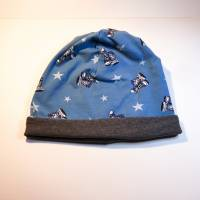 Beanie, Mütze, Jersey, helles Jeansblau, mit Turnschuhen und Sternen, Gr. 56-60 cm Kopfumfang Bild 2