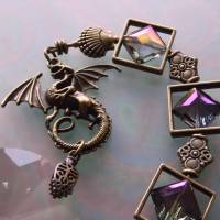 Drachen Fensterschmuck mit Regenbogen Kristall und bronze Ornamenten Bild 4