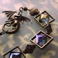 Drachen Fensterschmuck mit Regenbogen Kristall und bronze Ornamenten Bild 6