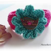 Gehäkeltes Armband mit Vogel in Wiesenblume - Häkelblume,modisch,trendy,hippie,boho,fuchsia,jade Bild 4