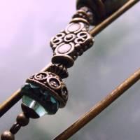 Tuchnadel im Boho Chic - sehr große Bronze Schmucknadel mit böhmischen Glasperlen in Türkis Bild 3
