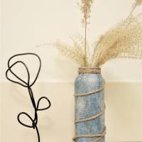 Handgemachte Skulptur Blume aus Draht und Holz   industrial Deko Wohnzimmer   Metallfigur Rose   modern & minimalistisch Bild 6