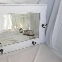 Wunderschöner weißer Spiegel mit Charme Shabby Bild 6