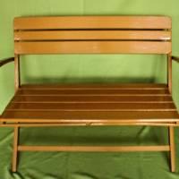 klappbare Holzbank mit Armlehnen Vintage Gartenmöbel Bild 1