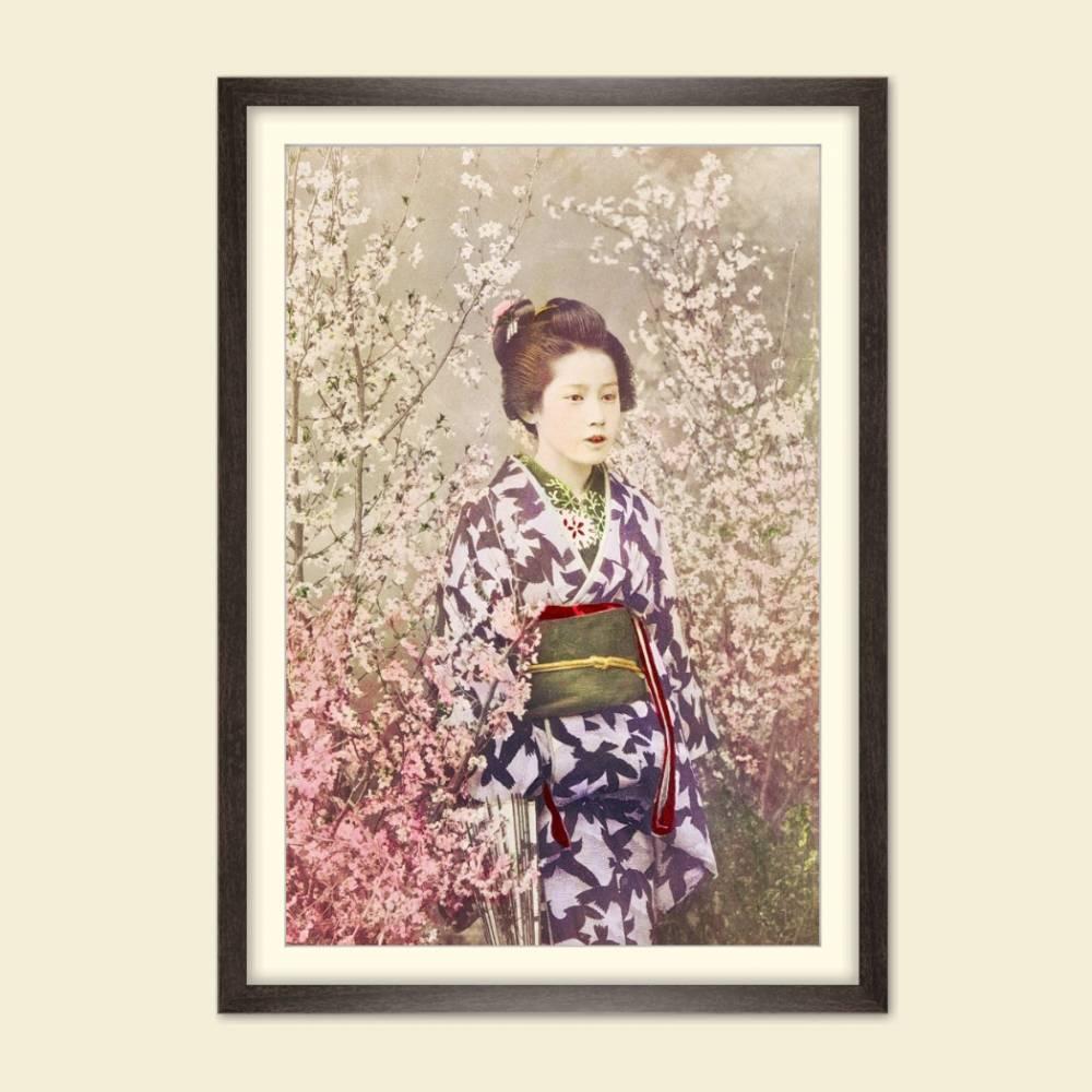 Portrait Geisha mit Kirschblüten Vintage, Japanische Kunst gerahmter Kunstdruck Bild - Collotype ca. 1880 - Geschenk  Bild 1