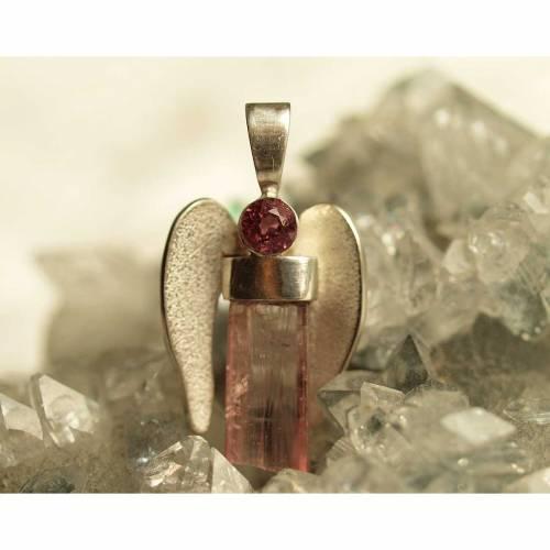 Erzengel Chamuel - Engel der Liebe, Rhodolith und Rubellit Kristall mit Silber