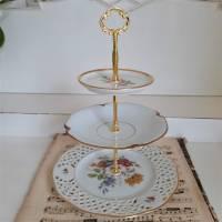 Wunderschöne 3 stöckige Etagere aus alten Geschirr Shabby (3) Bild 2
