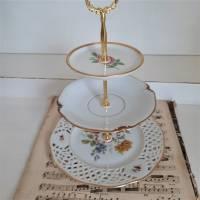 Wunderschöne 3 stöckige Etagere aus alten Geschirr Shabby (3) Bild 3
