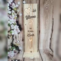 Herzlich Willkommen Schild Holz beleuchtet Geschenk Holzaufsteller Türschild Namensschild Holzstele personalisiert Bild 1