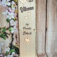 Herzlich Willkommen Schild Holz beleuchtet Geschenk Holzaufsteller Türschild Namensschild Holzstele personalisiert Bild 2