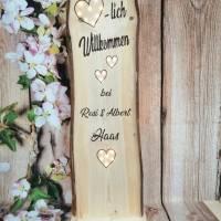Herzlich Willkommen Schild Holz beleuchtet Geschenk Holzaufsteller Türschild Namensschild Holzstele personalisiert Bild 4