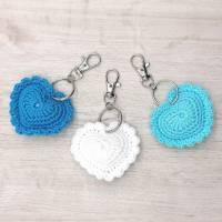 Schlüsselanhänger Herz gehäkelt Valentinstag, Geburtstag oder als Gastgeschenk Bild 8