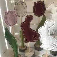 2 er Set Tulpe/Häschen auf Standfuß - Frühjahrsdekoration - Tulpe/Häschen - 100 % Wollfilz Bild 9