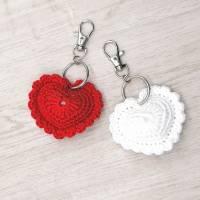 Schlüsselanhänger Herz gehäkelt Valentinstag, Geburtstag oder als Gastgeschenk Bild 4