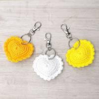 Schlüsselanhänger Herz gehäkelt Valentinstag, Geburtstag oder als Gastgeschenk Bild 5