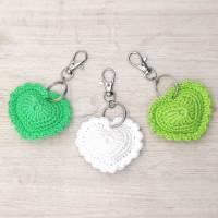 Schlüsselanhänger Herz gehäkelt Valentinstag, Geburtstag oder als Gastgeschenk Bild 9