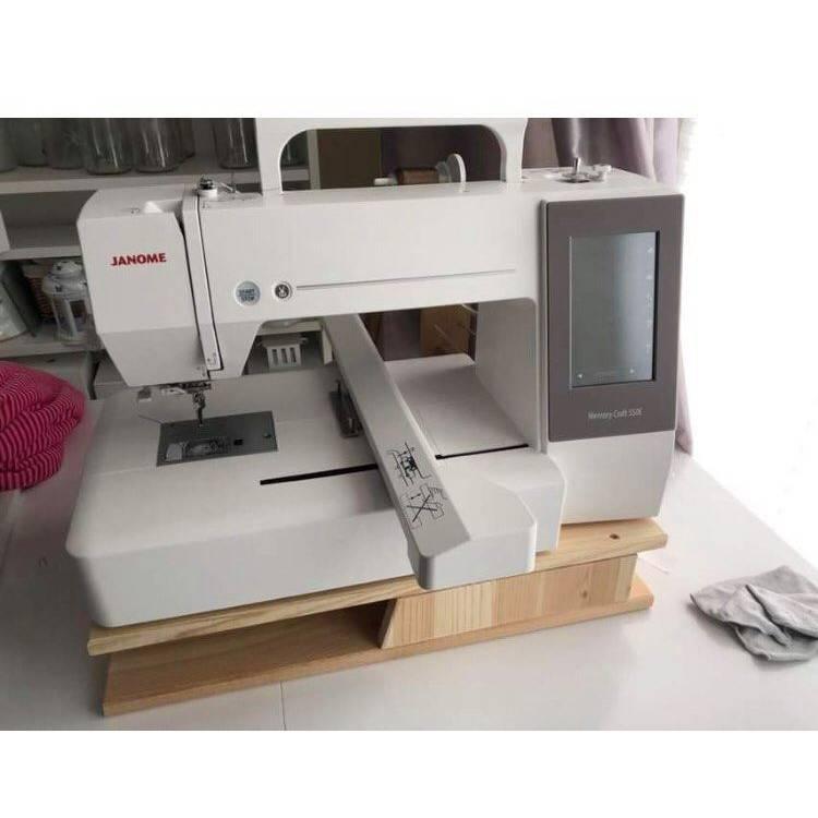 Erhöhung für Stickmaschinen oder Nähmaschinen Bild 1