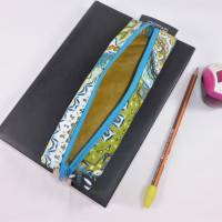 Mäppchen, Stifthalterung, Lesezeichen mit Brillenaufbewahrung mit Gummiband zur Befestigung an Notizbuch, Kalender Bild 2