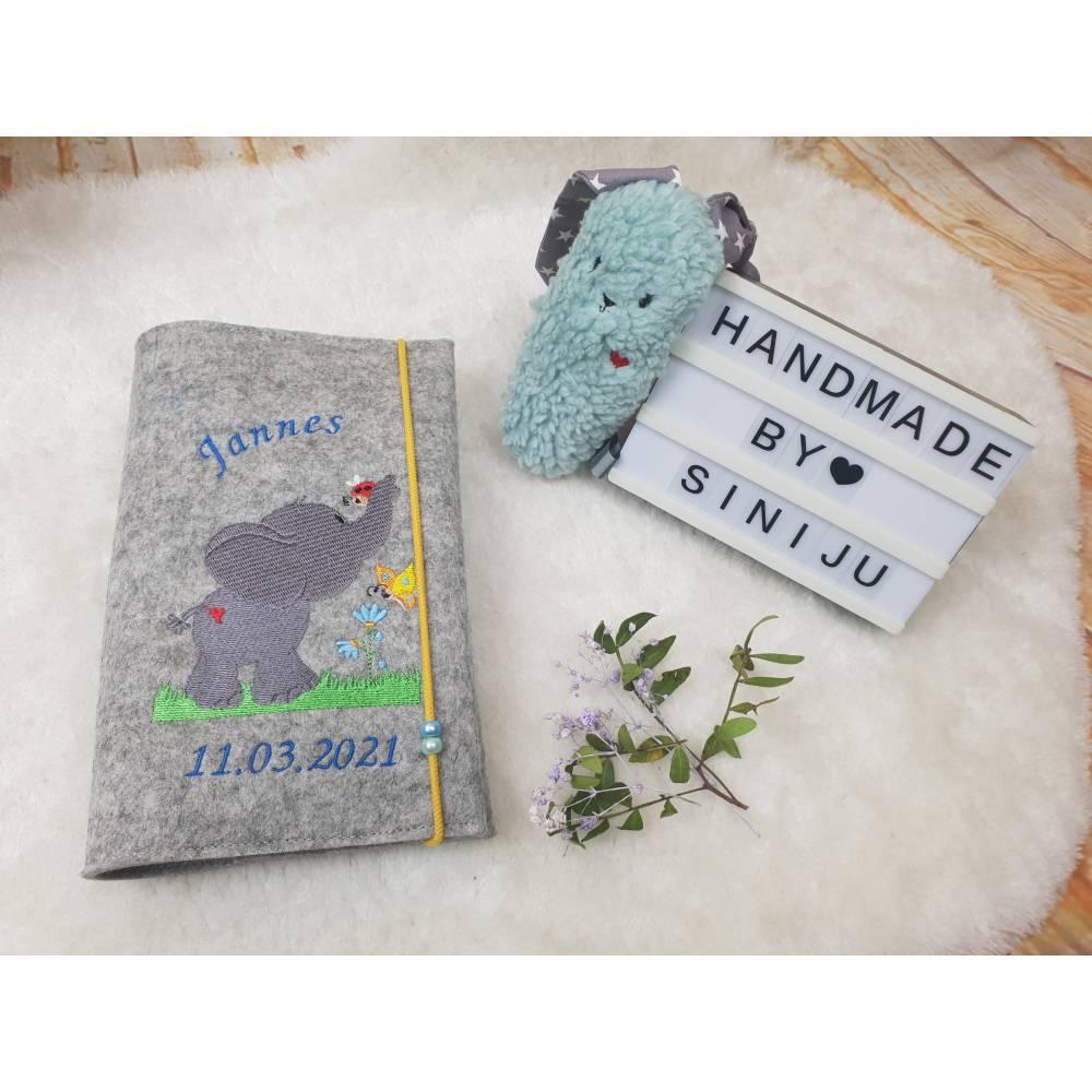 Elefantenliebe , personalisierte U-Heft-Hülle aus Wollfilz  | Schutzhülle mit Namen | Geschenk zur Geburt  Bild 1
