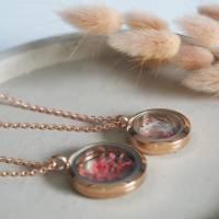 Echte Blüten Medaillon-Kette, 25 mm, getrocknete Blüten, Brautschmuck, Gold, rosegold, silber Bild 4