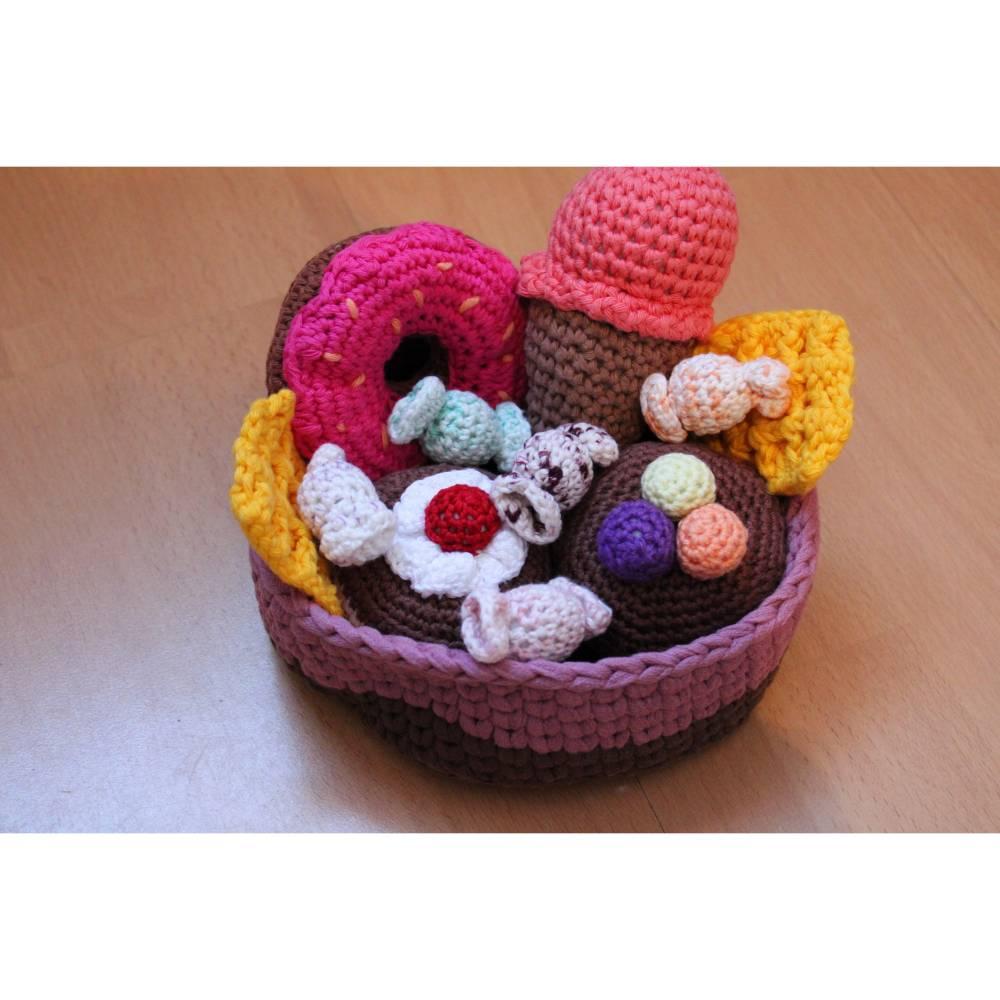 Zubehör, Süßes für Kaufladen oder Kinderküche, 6-teilig plus Körbchen Bild 1