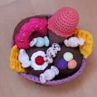 Zubehör, Süßes für Kaufladen oder Kinderküche, 6-teilig plus Körbchen Bild 5