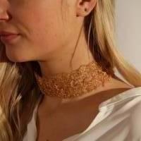 Goldspitze - Choker in gold - gehäkelt im Muschelmuster aus 24ct vergoldetem Draht - bcd manufaktur Bild 1