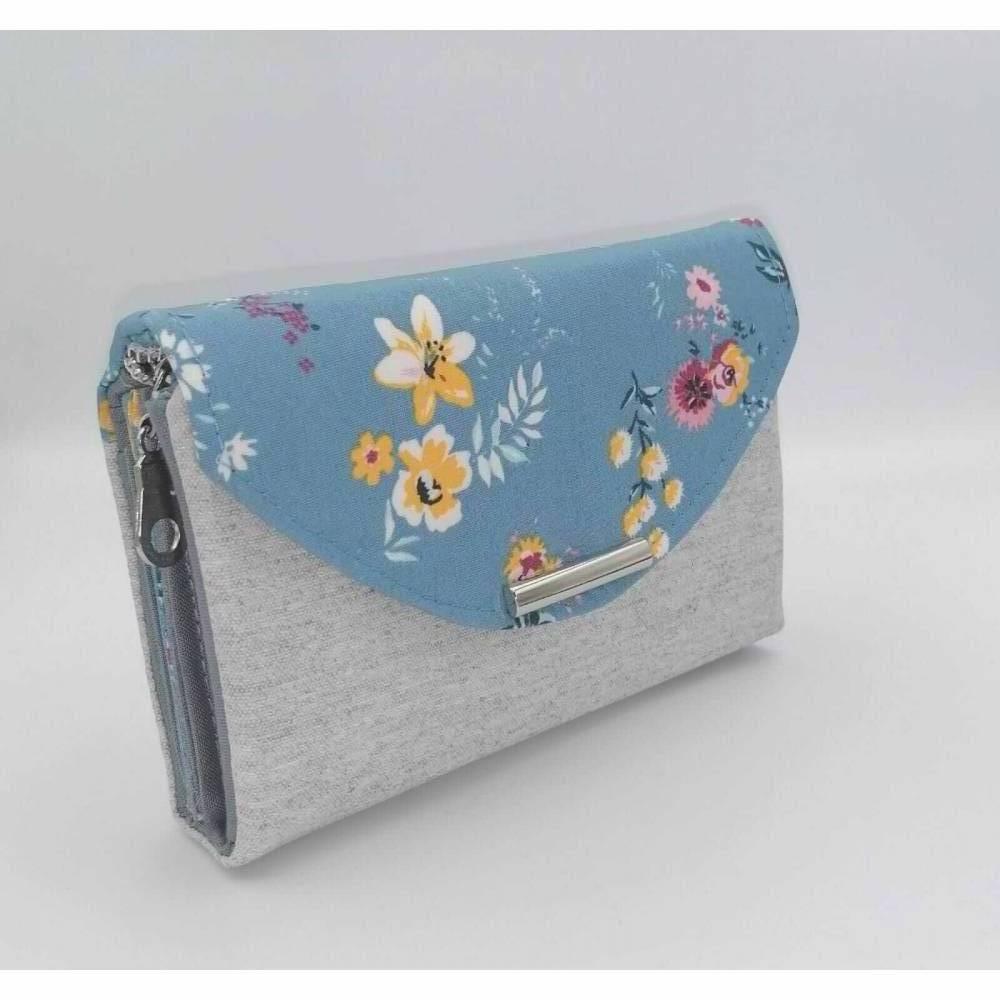 Ab 59,-€ / Handgemachte Damen Geldbörse mit Designer Druckknopf Stab Blumen Blau Bild 1