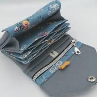 Ab 59,-€ / Handgemachte Damen Geldbörse mit Designer Druckknopf Stab Blumen Blau Bild 3