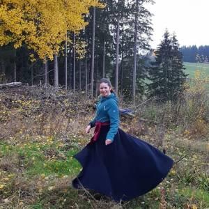 Reitrock dunkelblau Wolle, Wickelrock nachtblau, Pferd und Reiter Herbst, reiten im Winter, langer Rock Fotoshooting Bild 5