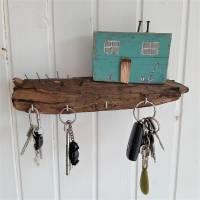 Schlüsselbrett mit Strandhäuschen aus Altholz (3) Bild 4