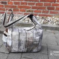 Rucksack oder Tasche?! Beides! Wandelbare Rucksacktasche in Holzoptik Bild 1