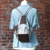 Rucksack oder Tasche?! Beides! Wandelbare Rucksacktasche in Holzoptik Bild 3