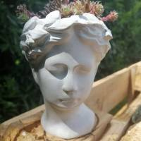 Kopf zum Bepflanzen Betondeko Pflanzkopf Pflanzgefäß Blumentopf Pflanztopf Büste Antikkopf Frauenkopf Blumengefäß Überto Bild 2