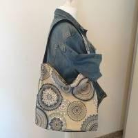 Handtasche / Schultertasche Mandala beige-multicolor-jeansblau Bild 1