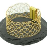 24ct vergoldeter Armreif, geklöppeltes Armband aus Gold-Draht von bcd manufaktur - Muttertag Bild 1