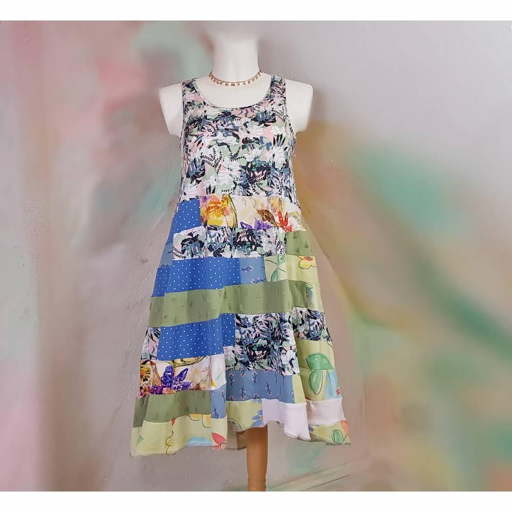 Kleid 44 - 46 Sommerkleid Upcycling XL XXL Übergröße Blumen grün lavendel weiß ärmellos Baumwolle Handmade F71 Sommer Bild 1