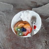 Ring Obsttörtchen aus Fimo auf Teller Fingerring ausgefallener Schmuck Bild 3