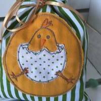 Osterbeutel * Geschenkverpackung * Ostersäckchen * Wiederverwendbare Osterverpackung * grün/weißes Säckchen mit aufgesti Bild 2
