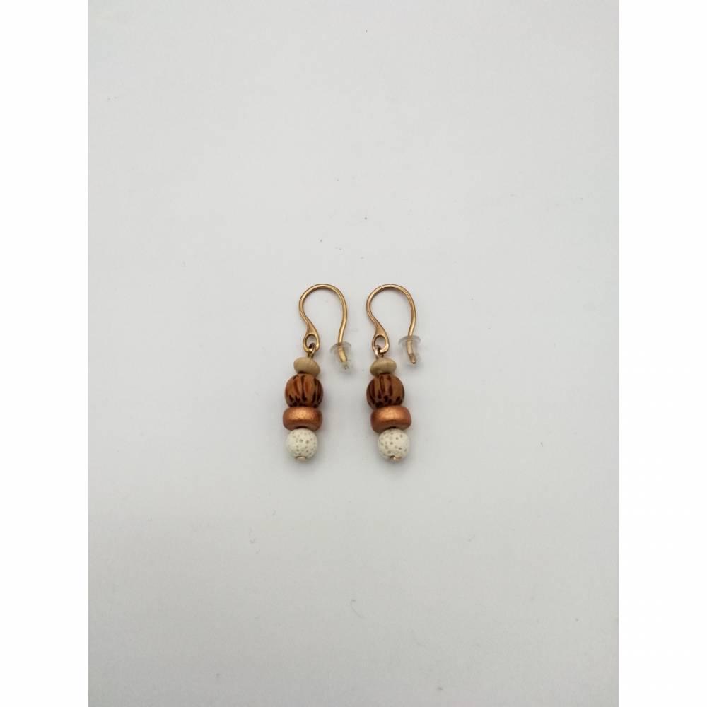 Perlen-Ohrringe mit Holz- und Lava-Perlen in natur beige und rosé-gold 3cm lang handgemachtes Unikat  Bild 1