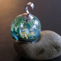 Mystischer Spaziergang im Elfenland - Handgefertigte Glaskugel als Anhänger Bild 5
